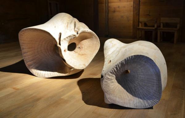アンッティ・ユロネン Antti Ylönen 三島町特産の桐の木を使用