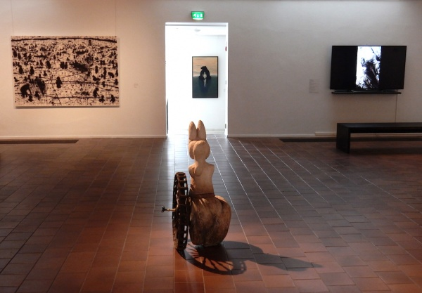 ISHIKURA: Video, HAMARI: Sculpture, NAKATSUGAWA: Painting, JUNTTILA: Painting(center)