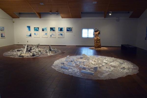MARUYAMA Yoshiko: Installation & Painting, Mia HAMARI: Sculpture